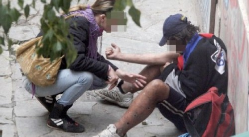 Άλλη μία θλιβερή πρωτιά για την Ελλάδα: 1η στην αύξηση κρουσμάτων HIV στους χρήστες ναρκωτικών!
